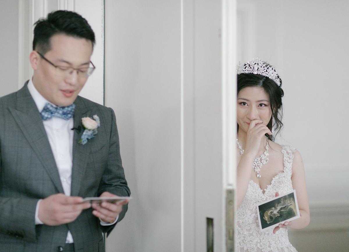 cardreading_bride_weddingday.jpg