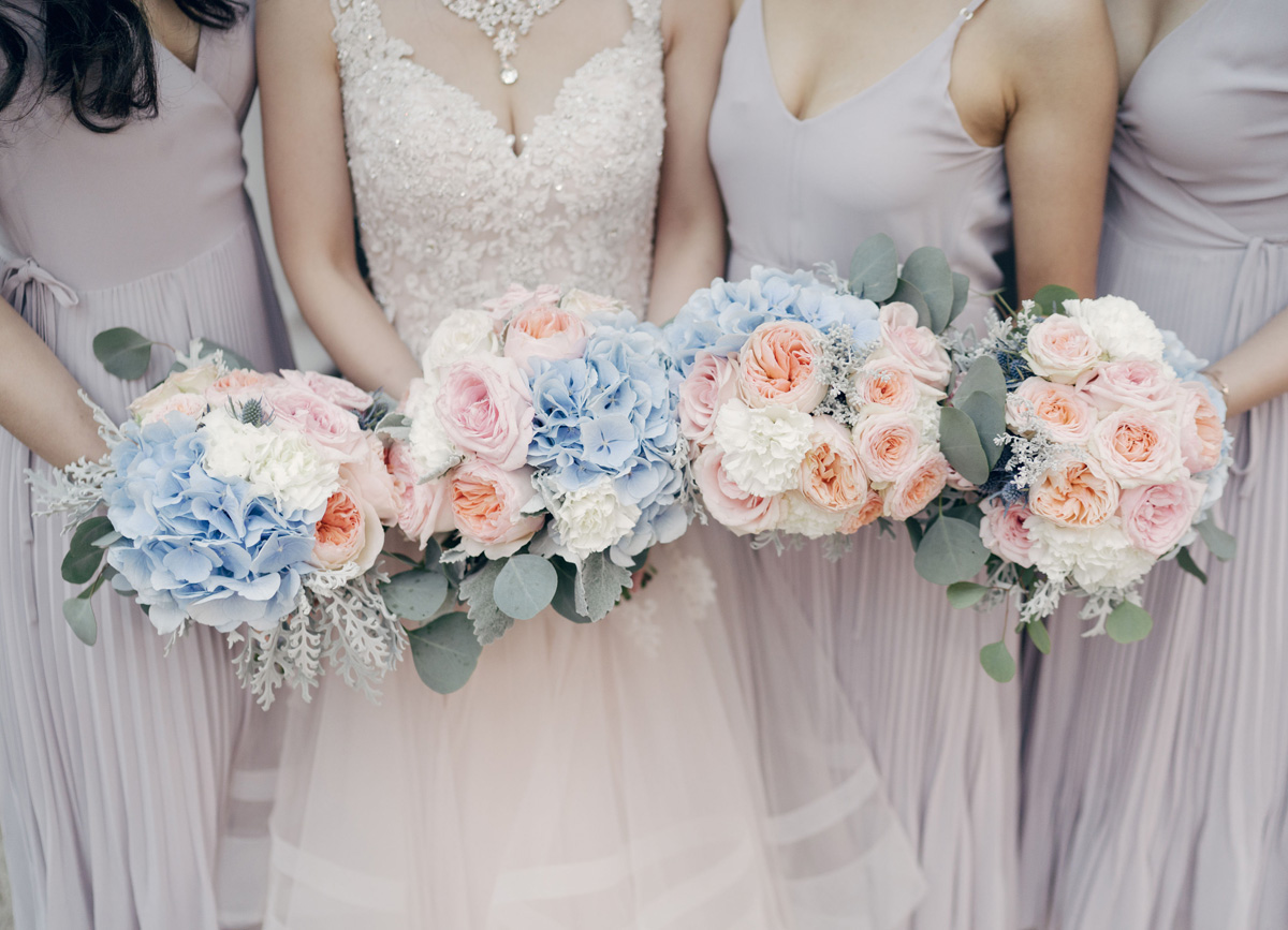 dloveaffair_bridalparty_bouquets.jpg