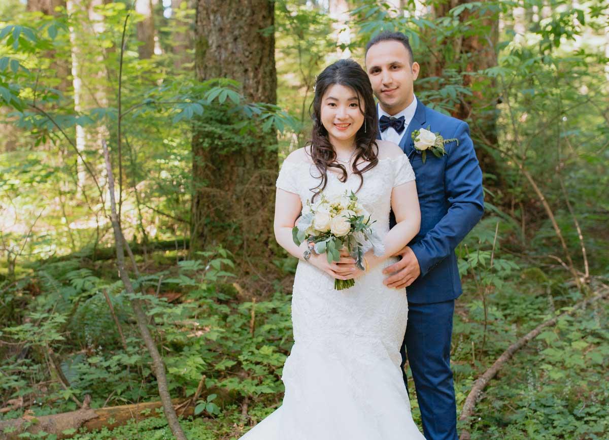 dloveaffair_bride_groom_forest.jpg