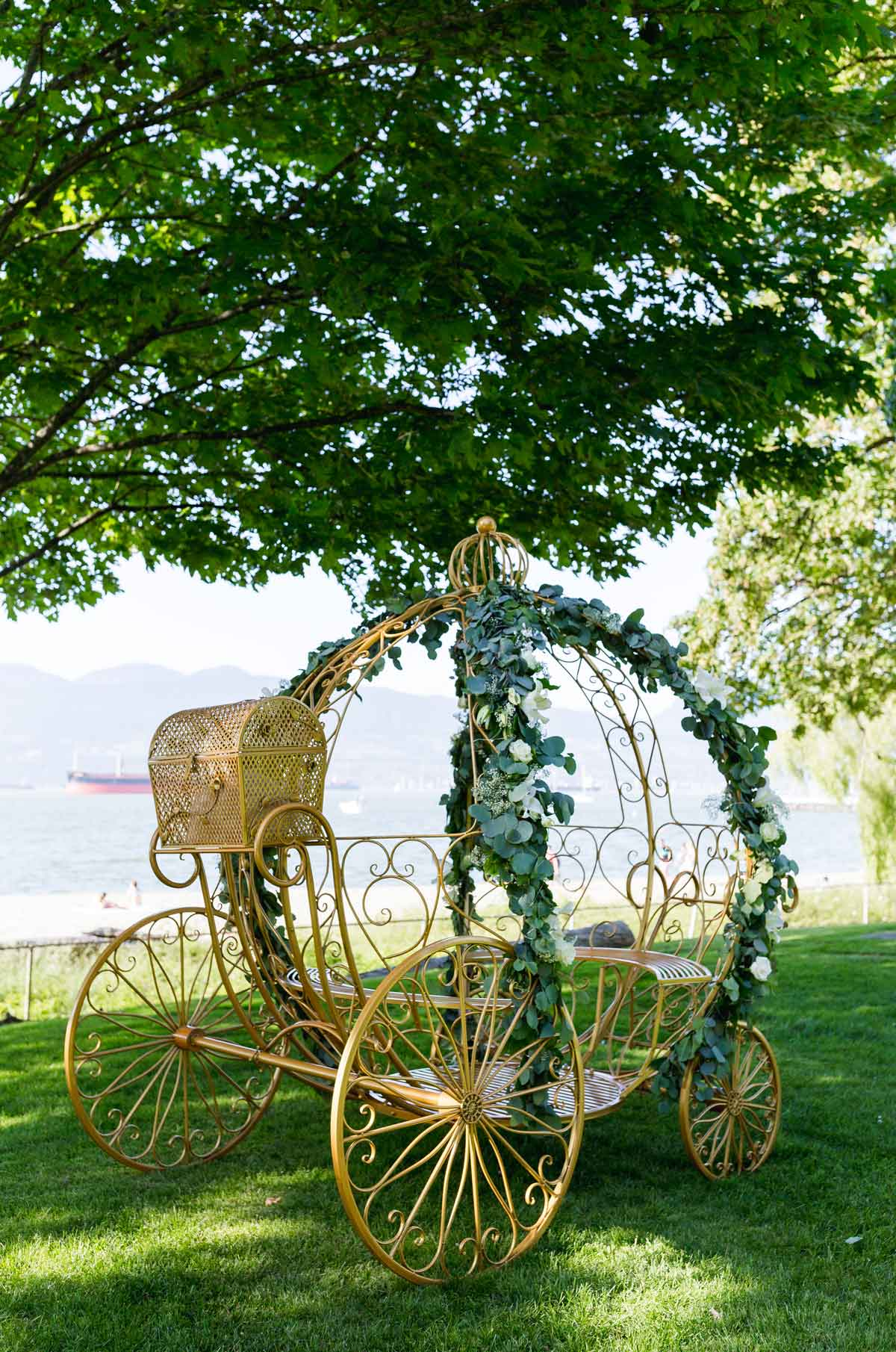 dloveaffair_wedding_brockhouse_carriage.jpg