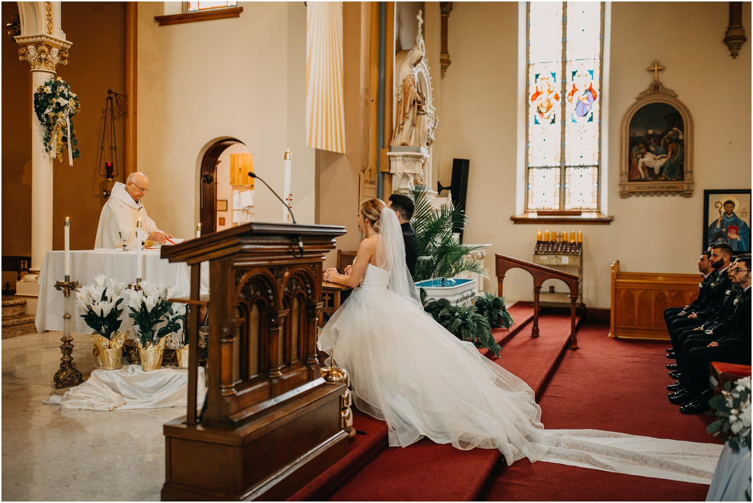 traditionaldowntowncatholicwedding_1082.jpg