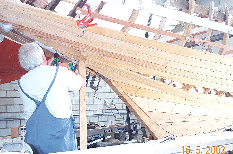 'O' in goes a shutter plank