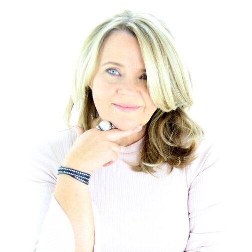 Runa Magnusdottir  is a renowned international Personal Branding Speaker, Author and Strategist, the founder and CEO of The Change Makers, an international group of thoughts and business leaders, and co-creator of the #NoMoreBoxes Movement .