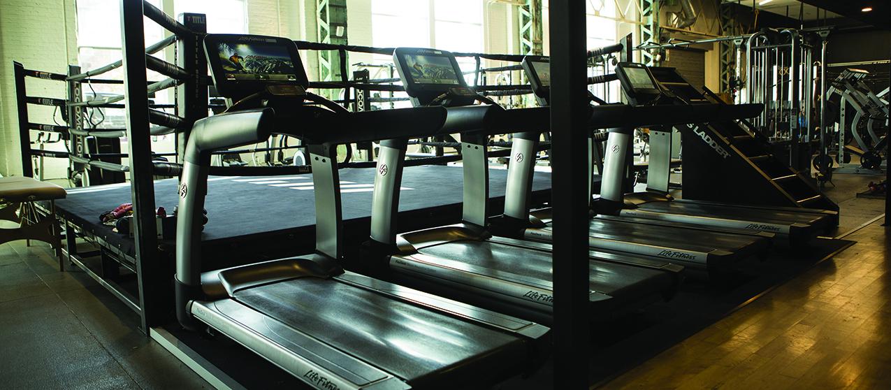 Les tapis Life Fitness 95T vous attendent dans un environnement de caractère que seul un lieu comme les Shops Angus peut offrir.