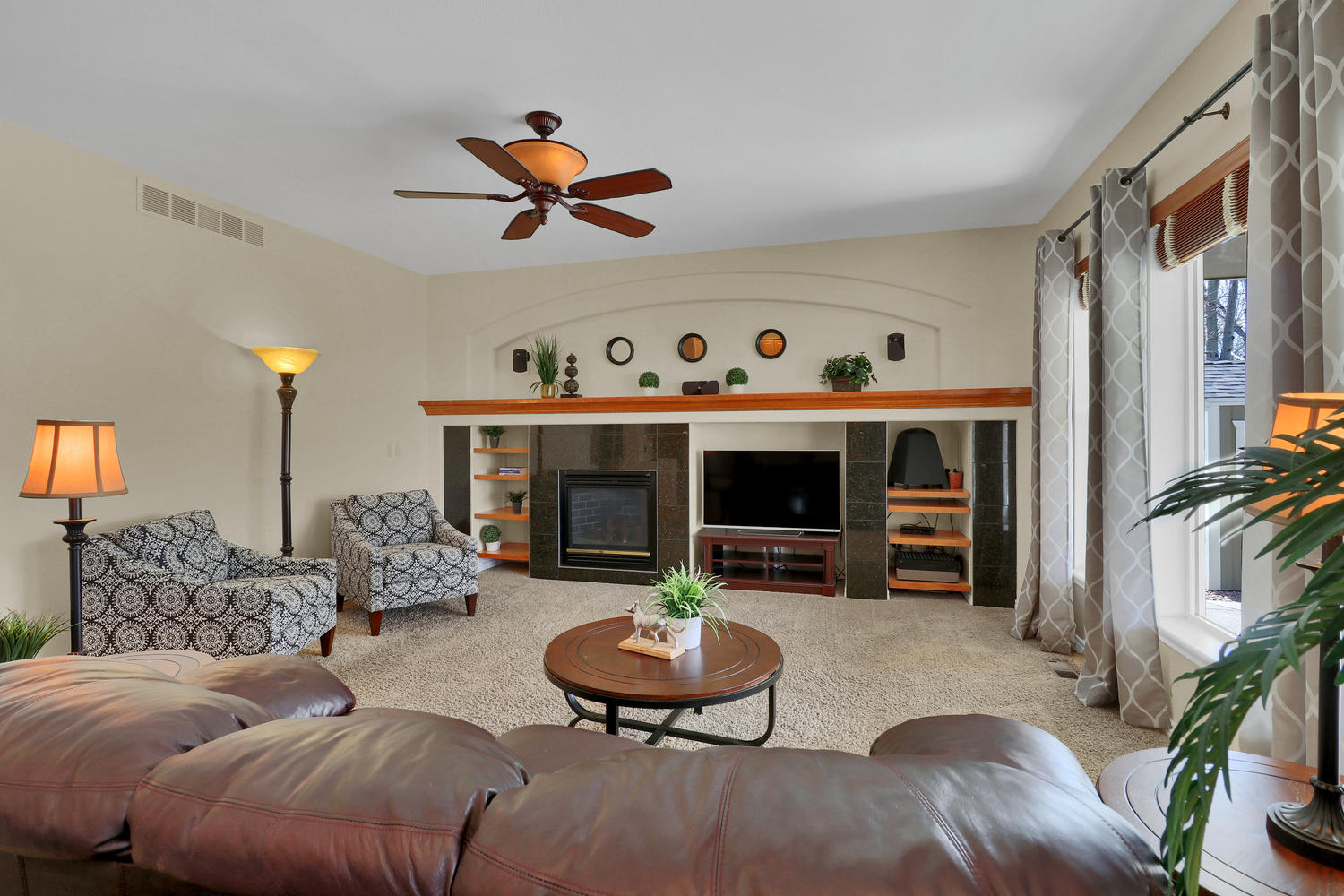 8227 Swadley Ct Arvada CO-large-024-15-Family Room-1500x1000-72dpi.jpg