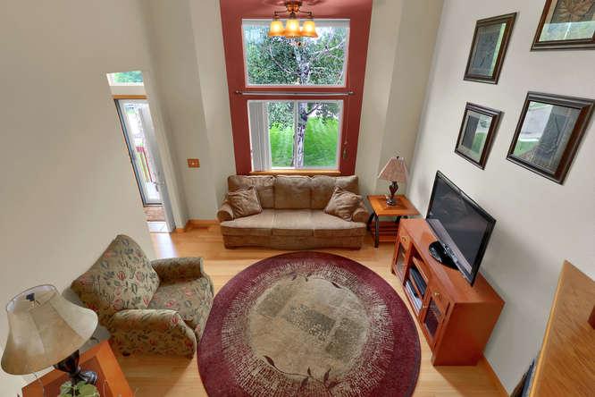 1101 21st Ave 11 Longmont CO-small-012-21-Living Room-666x445-72dpi.jpg