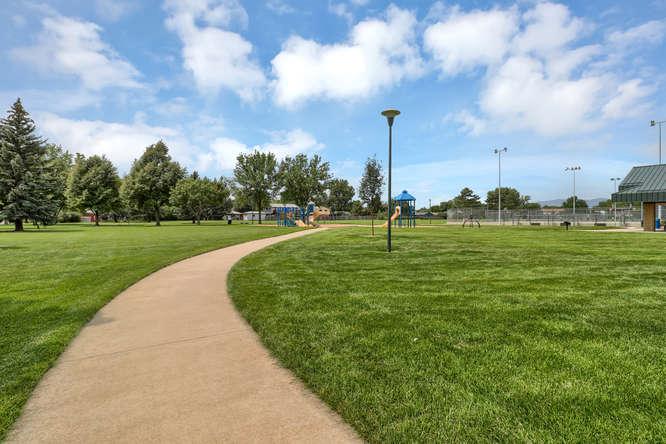 1101 21st Ave 11 Longmont CO-small-026-4-Park-666x444-72dpi.jpg