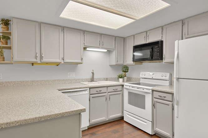 8435 Everett Way B Arvada CO-small-012-25-Kitchen-666x444-72dpi.jpg