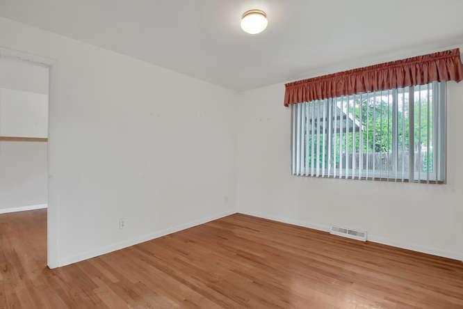 1870 Lewis Ct Lakewood CO-small-014-21-Bedroom-666x444-72dpi.jpg