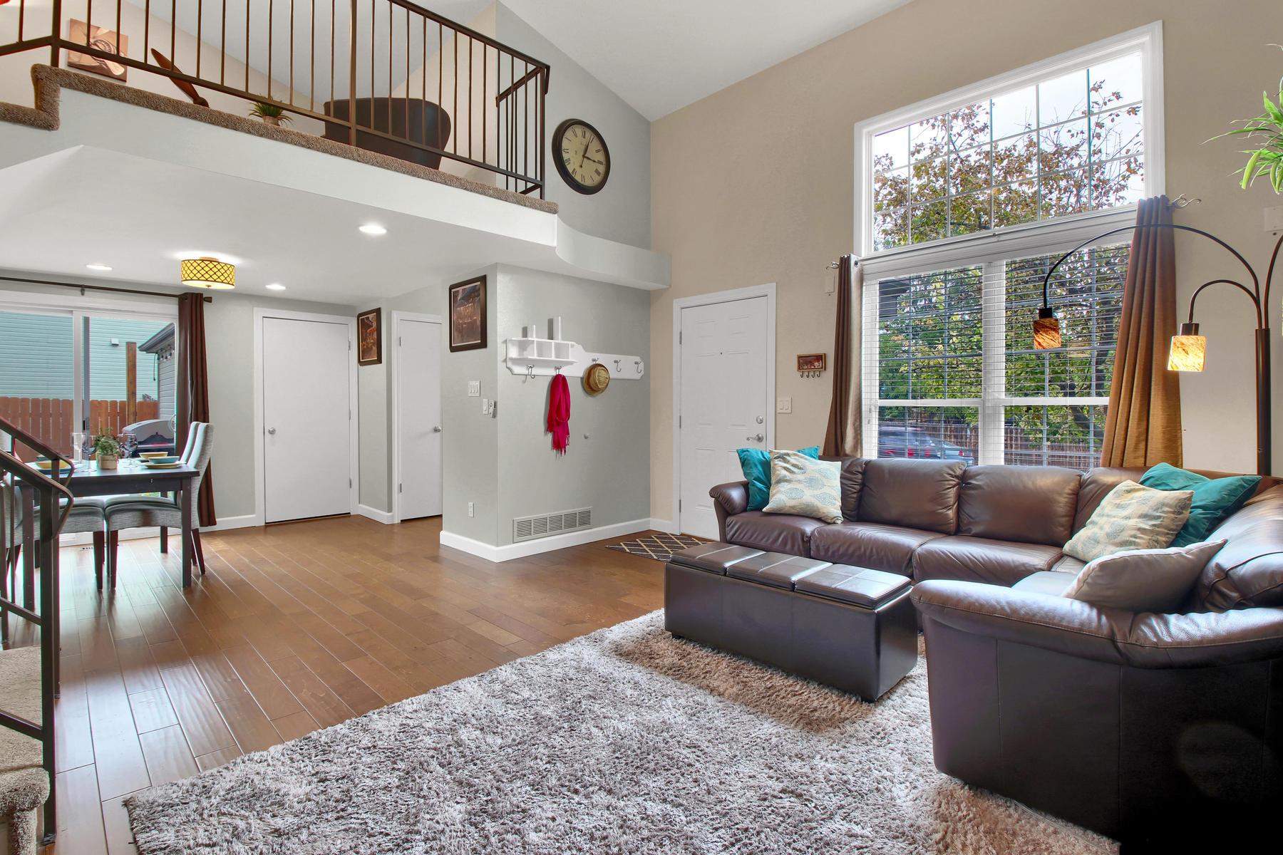 10283 Robb St Westminster CO-005-9-Living Room-MLS_Size.jpg