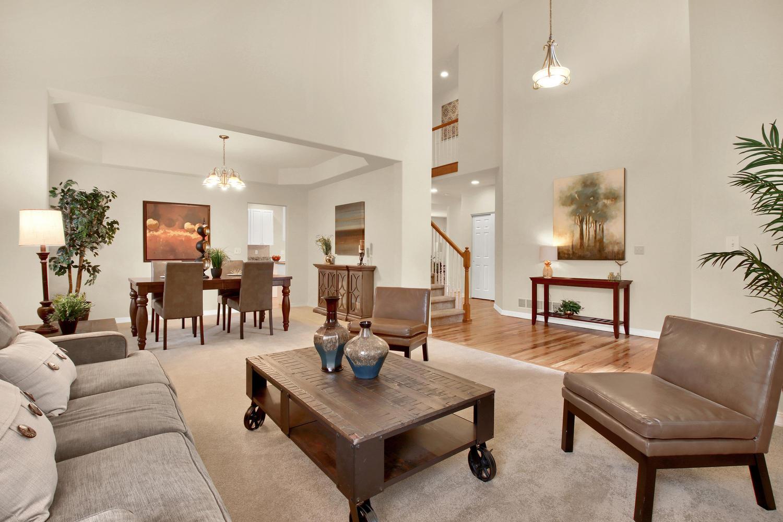 3665 Cayman Pl Boulder CO-large-009-14-Living Room-1500x1000-72dpi.jpg