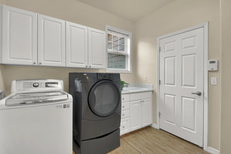 3665 Cayman Pl Boulder CO-large-017-24-Laundry-1500x1000-72dpi.jpg
