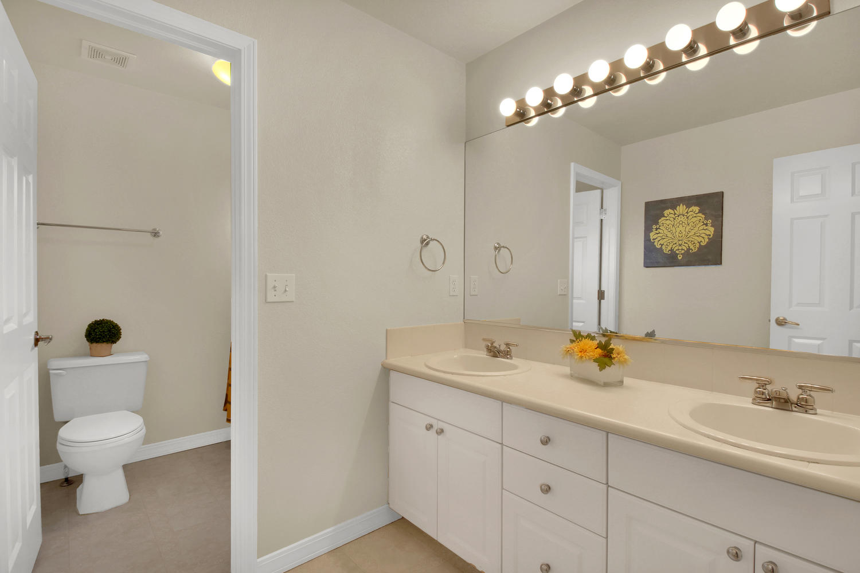 3665 Cayman Pl Boulder CO-large-021-28-Bathroom-1500x1000-72dpi.jpg