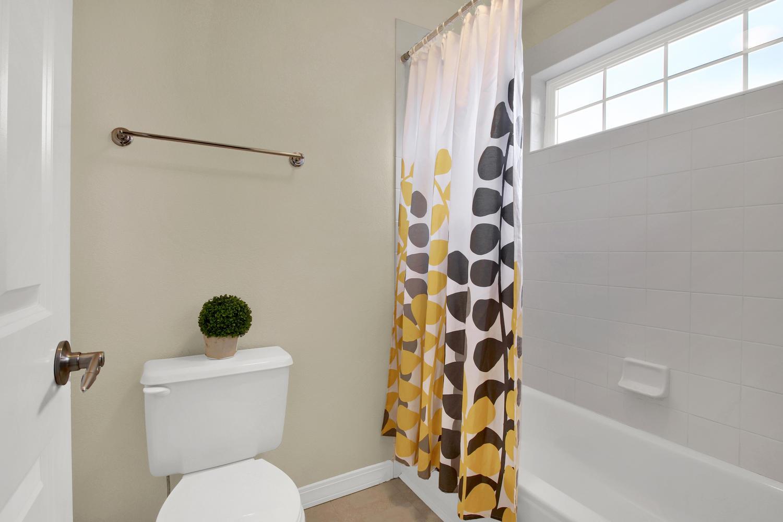 3665 Cayman Pl Boulder CO-large-024-23-Bathroom-1500x1000-72dpi.jpg