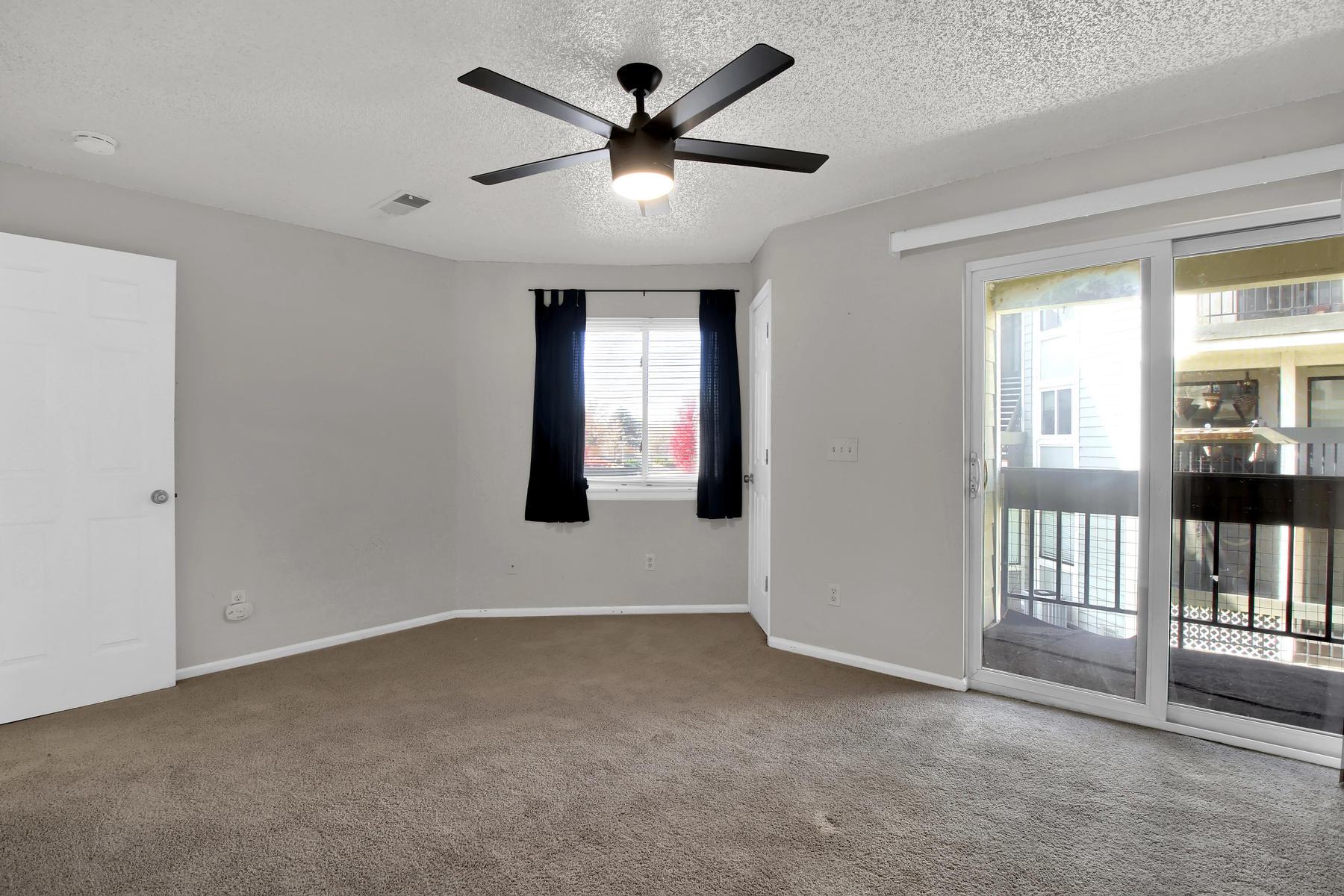 5620 W 80th Pl 72 Arvada CO-006-8-Living Room-MLS_Size.jpg