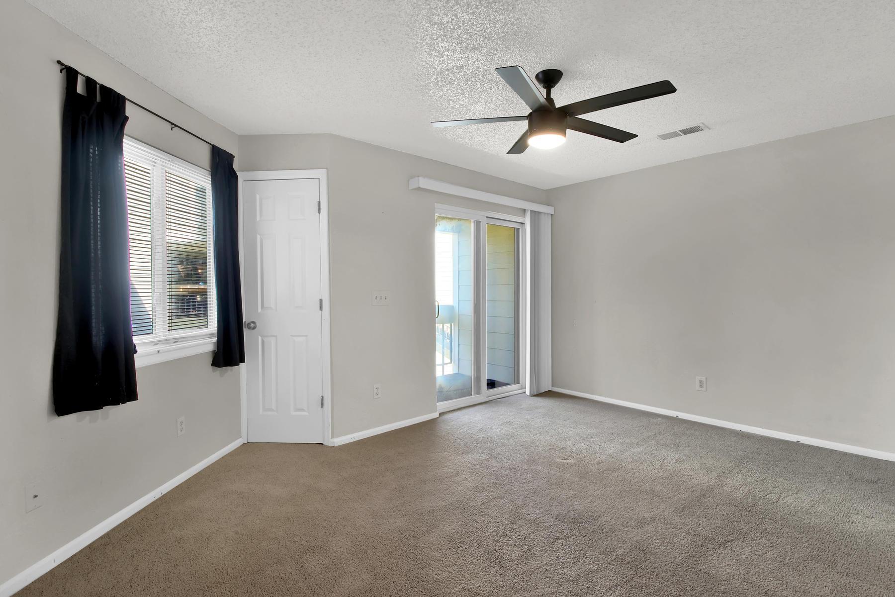 5620 W 80th Pl 72 Arvada CO-009-11-Living Room-MLS_Size.jpg