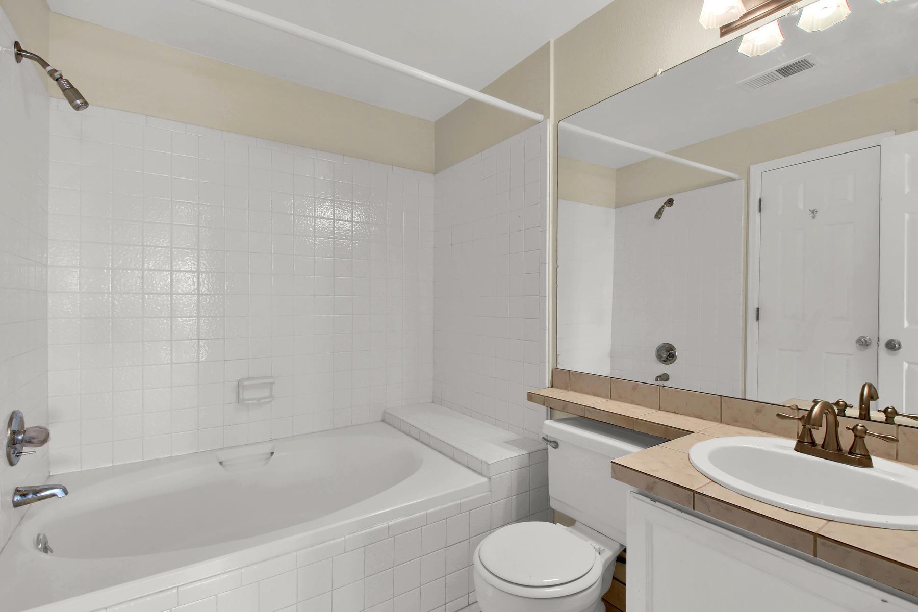 5620 W 80th Pl 72 Arvada CO-010-12-Bathroom-MLS_Size.jpg