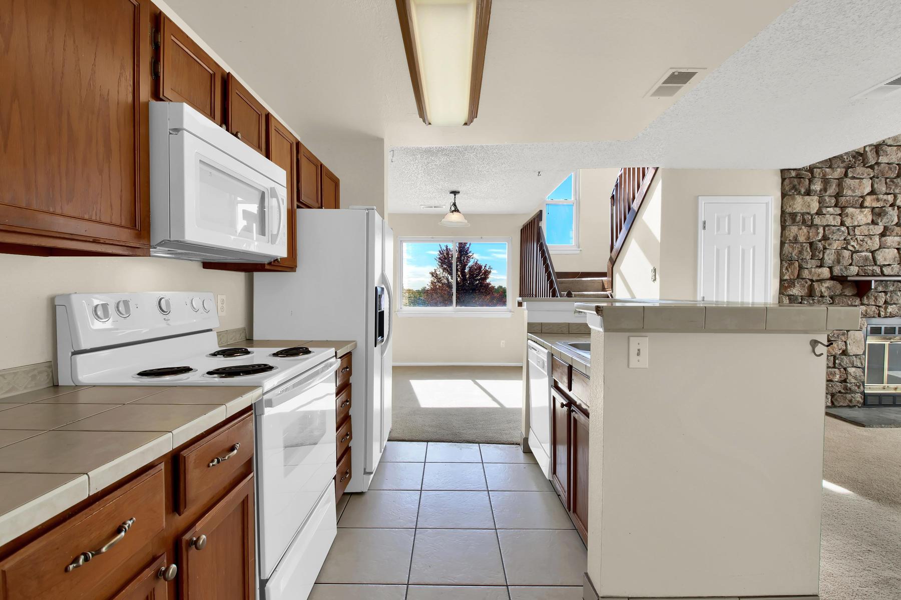 5620 W 80th Pl 72 Arvada CO-012-14-Kitchen-MLS_Size.jpg