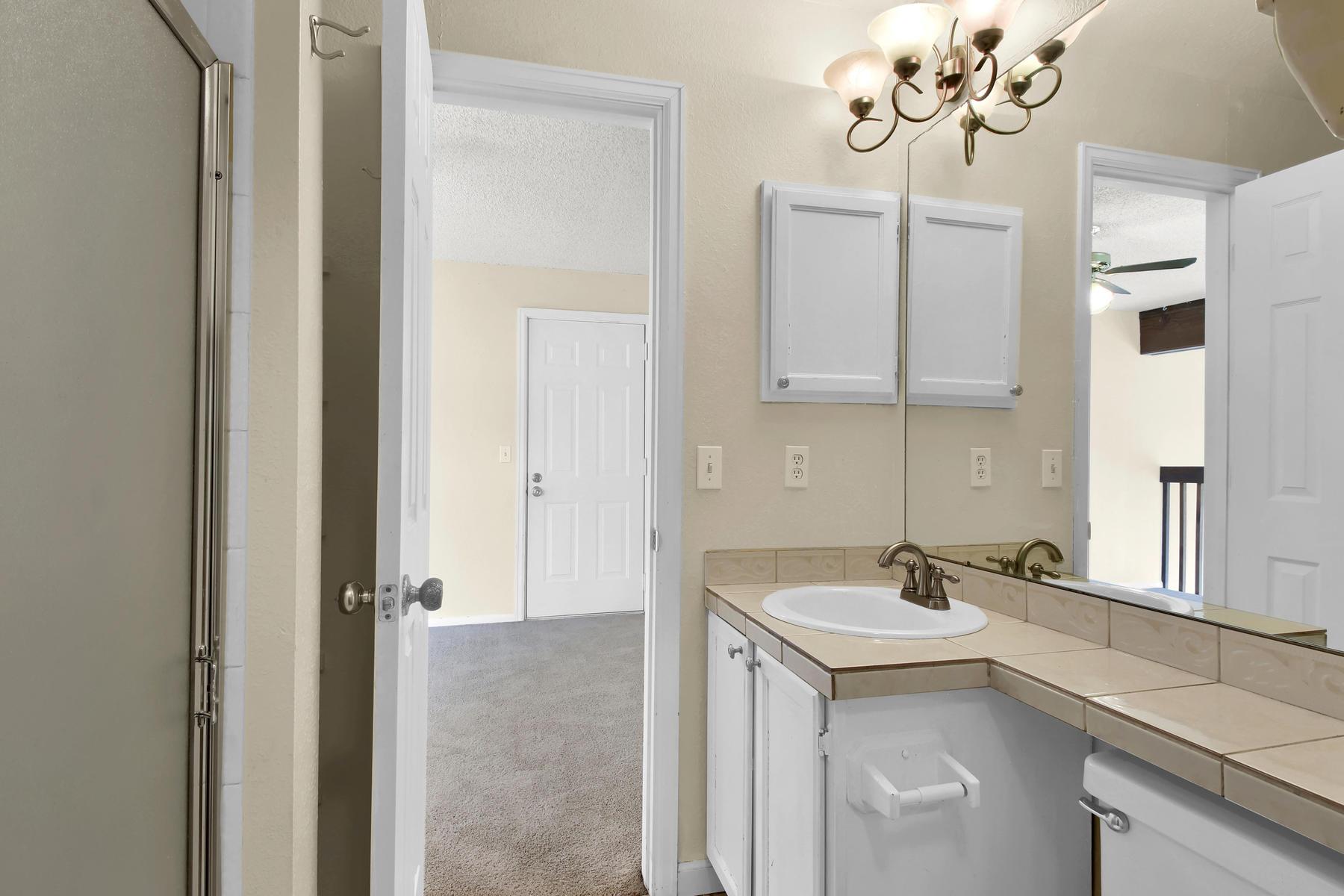 5620 W 80th Pl 72 Arvada CO-018-22-Bathroom-MLS_Size.jpg