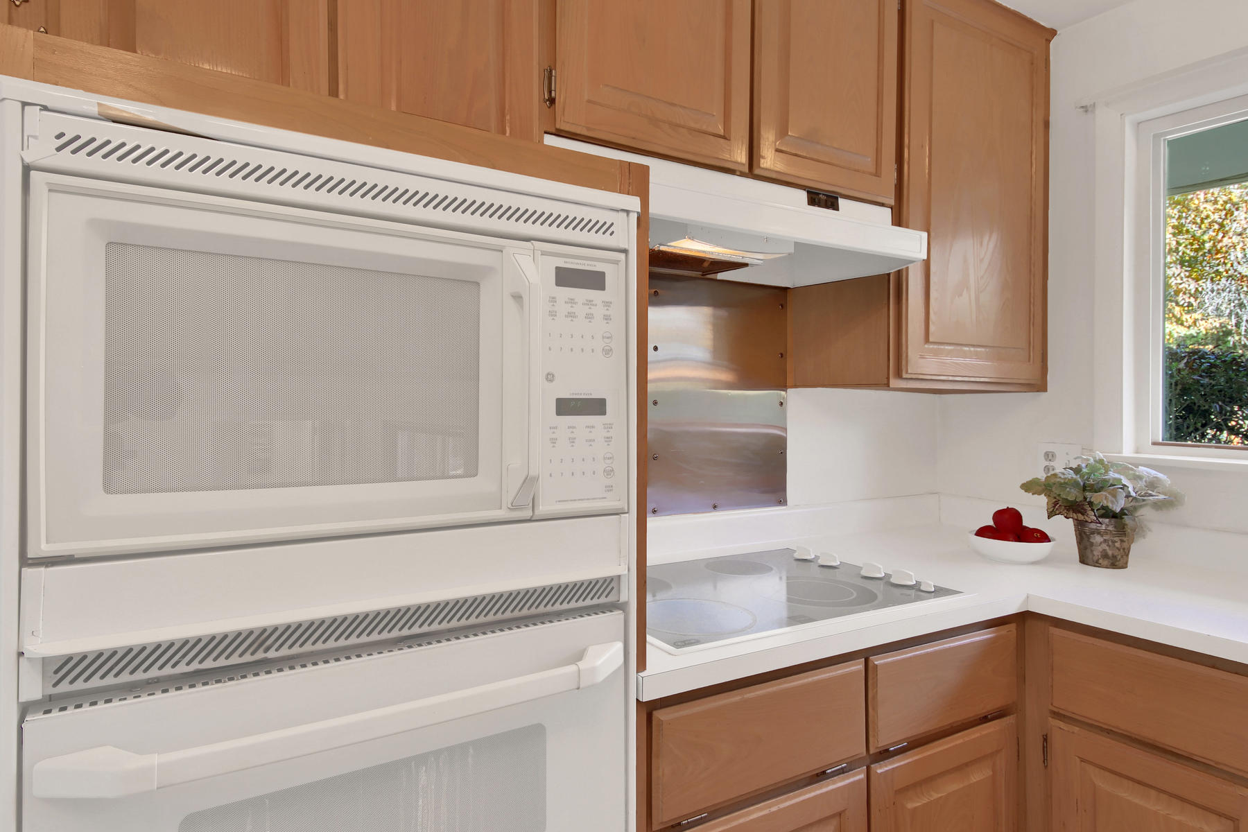 9035 Cole Dr Arvada CO 80004-009-16-Kitchen-MLS_Size.jpg