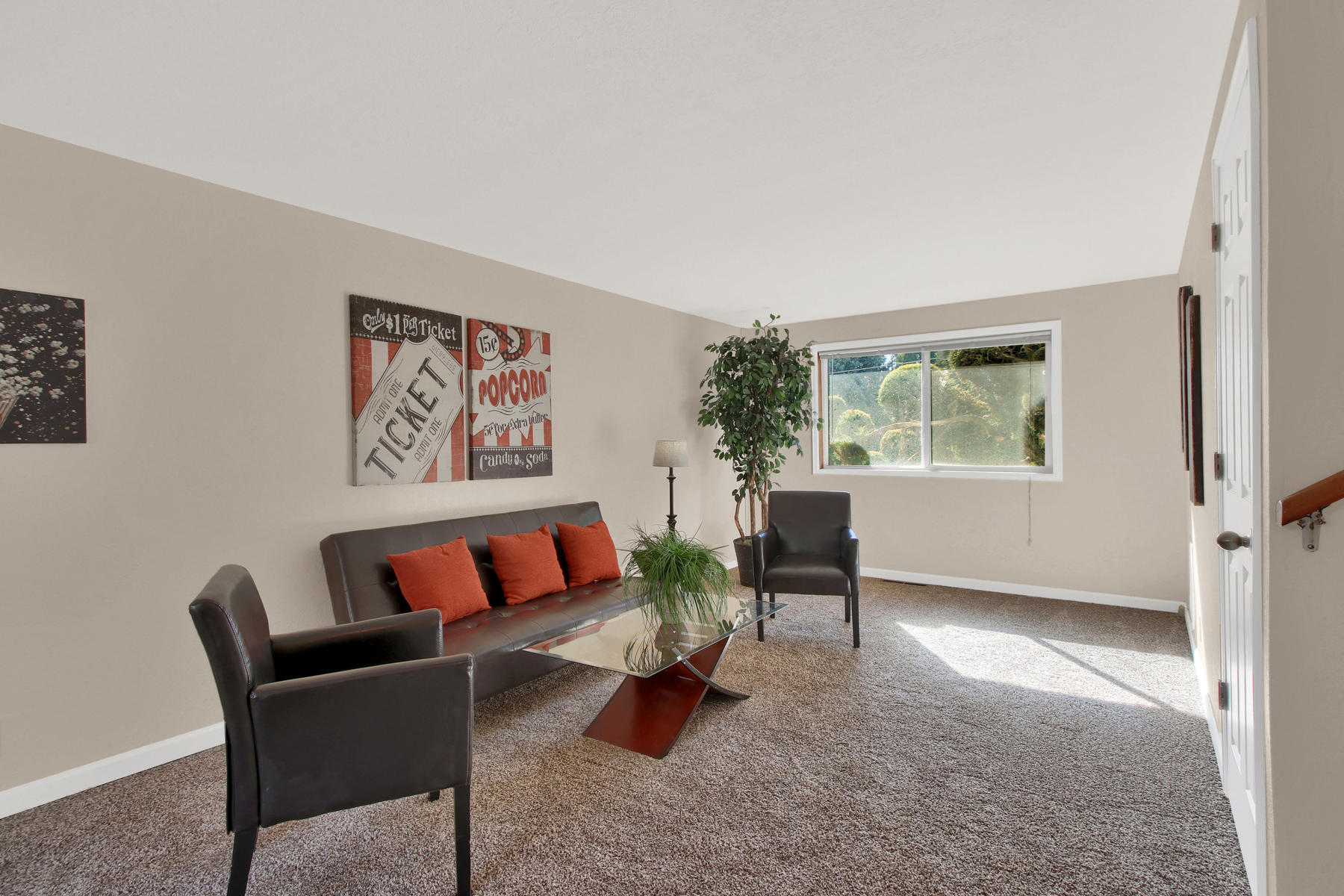 9035 Cole Dr Arvada CO 80004-012-19-Family Room-MLS_Size.jpg