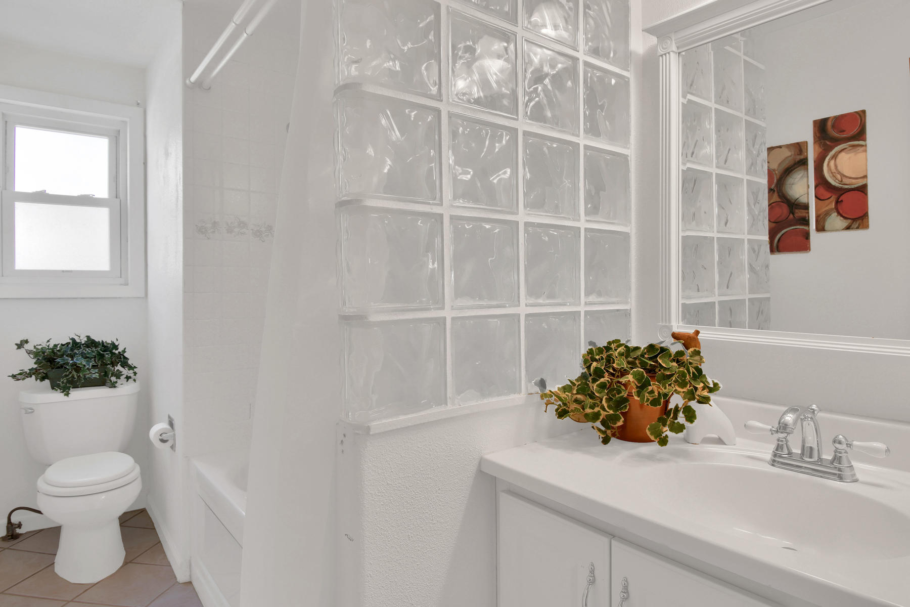 9035 Cole Dr Arvada CO 80004-016-21-Bathroom-MLS_Size.jpg