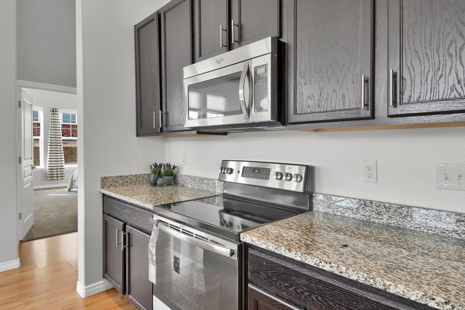 14287 W 88th Pl A Arvada CO-018-28-Kitchen-MLS_Size.jpg