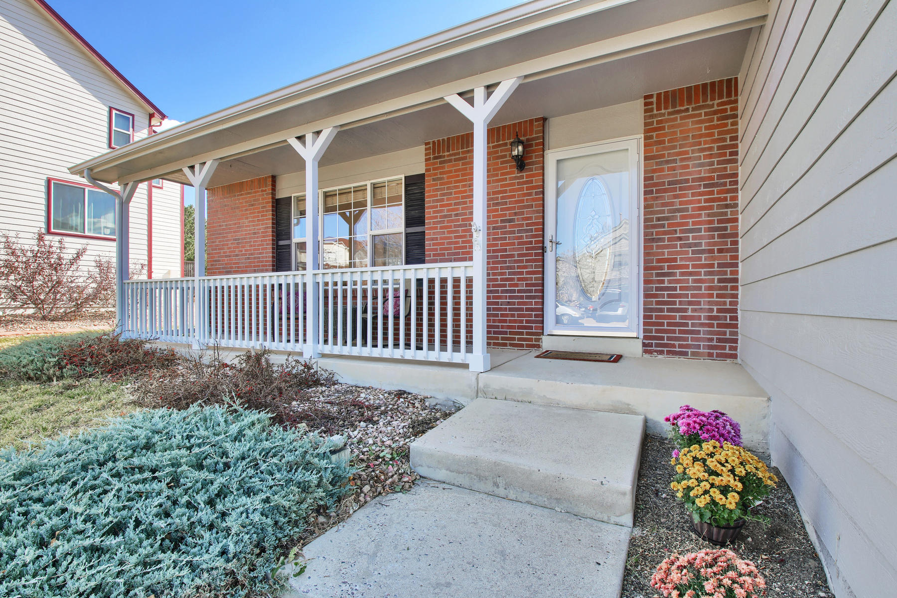 310 W Prestwick Way Castle-013-1-Front Porch-MLS_Size.jpg