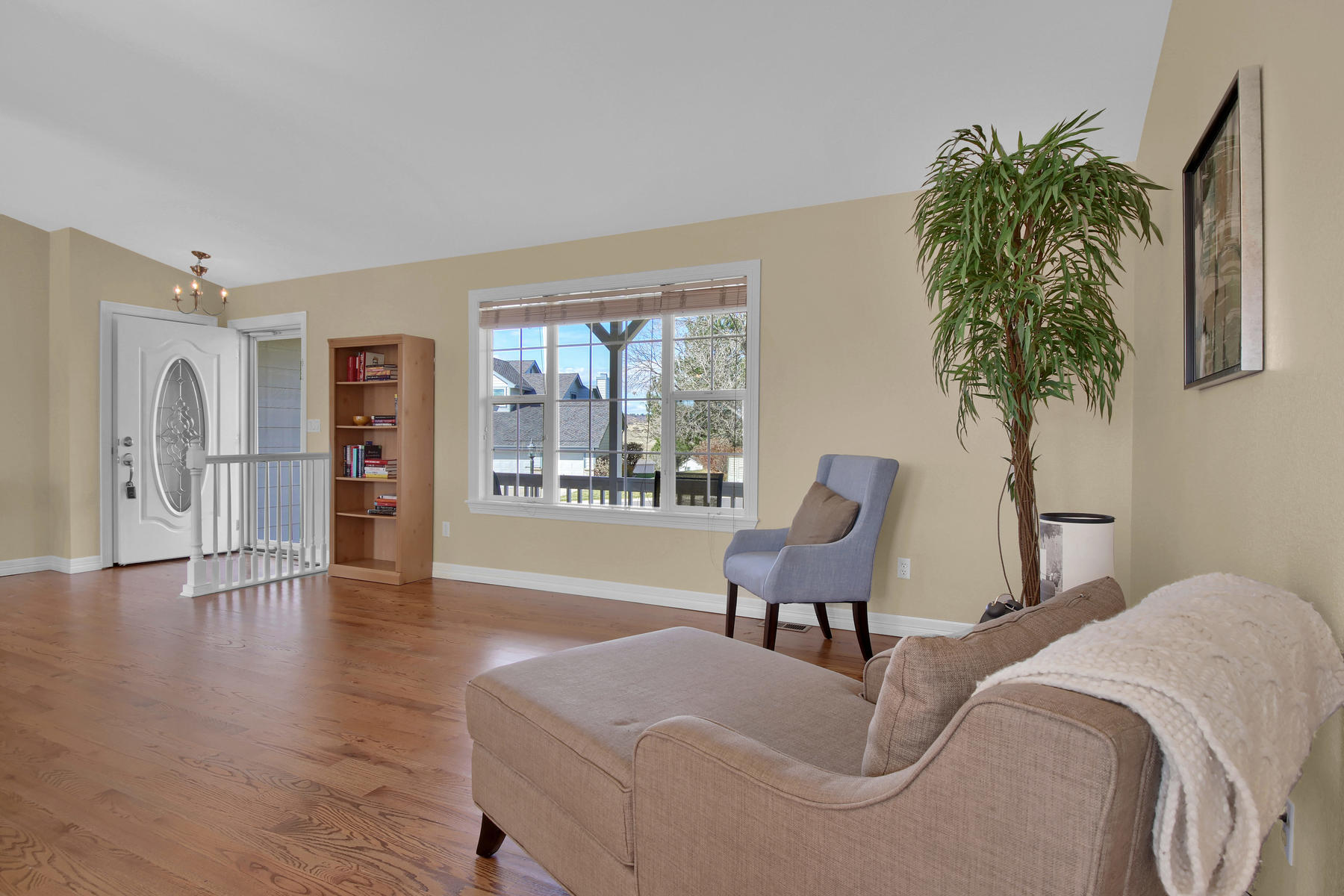 310 W Prestwick Way Castle-018-19-Living Room-MLS_Size.jpg