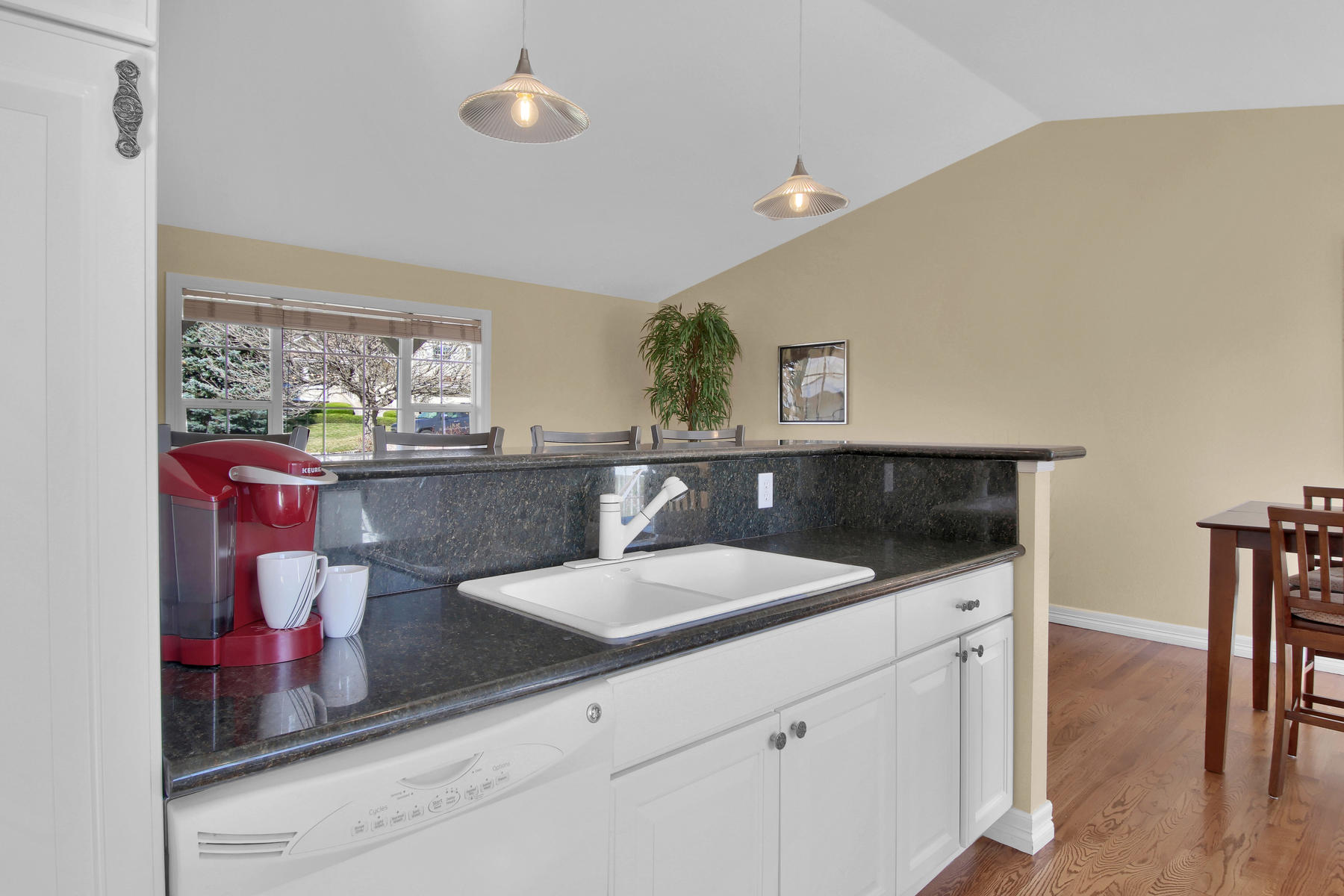 310 W Prestwick Way Castle-023-22-Kitchen-MLS_Size.jpg
