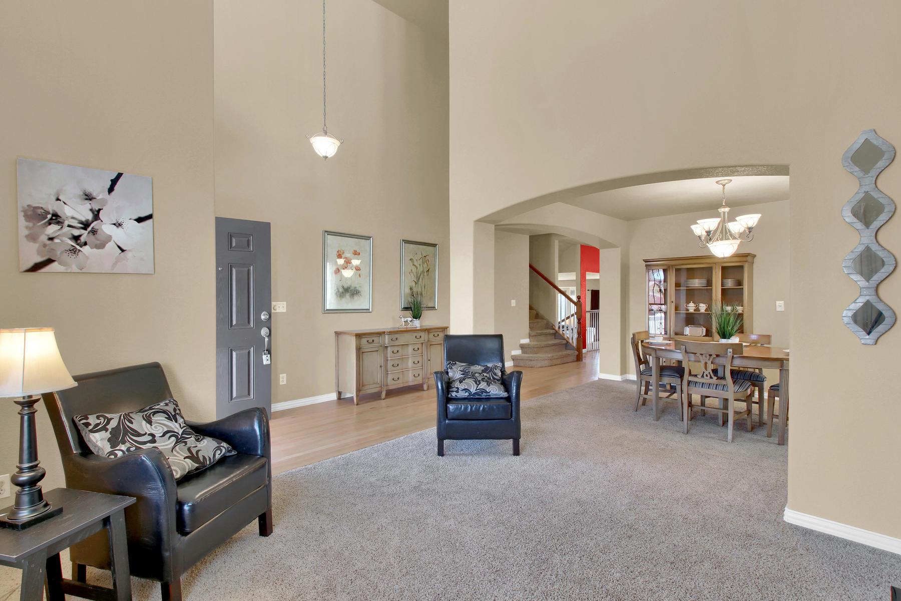 5367 Parfet St Arvada CO 80002-006-1-Living Room-MLS_Size.jpg