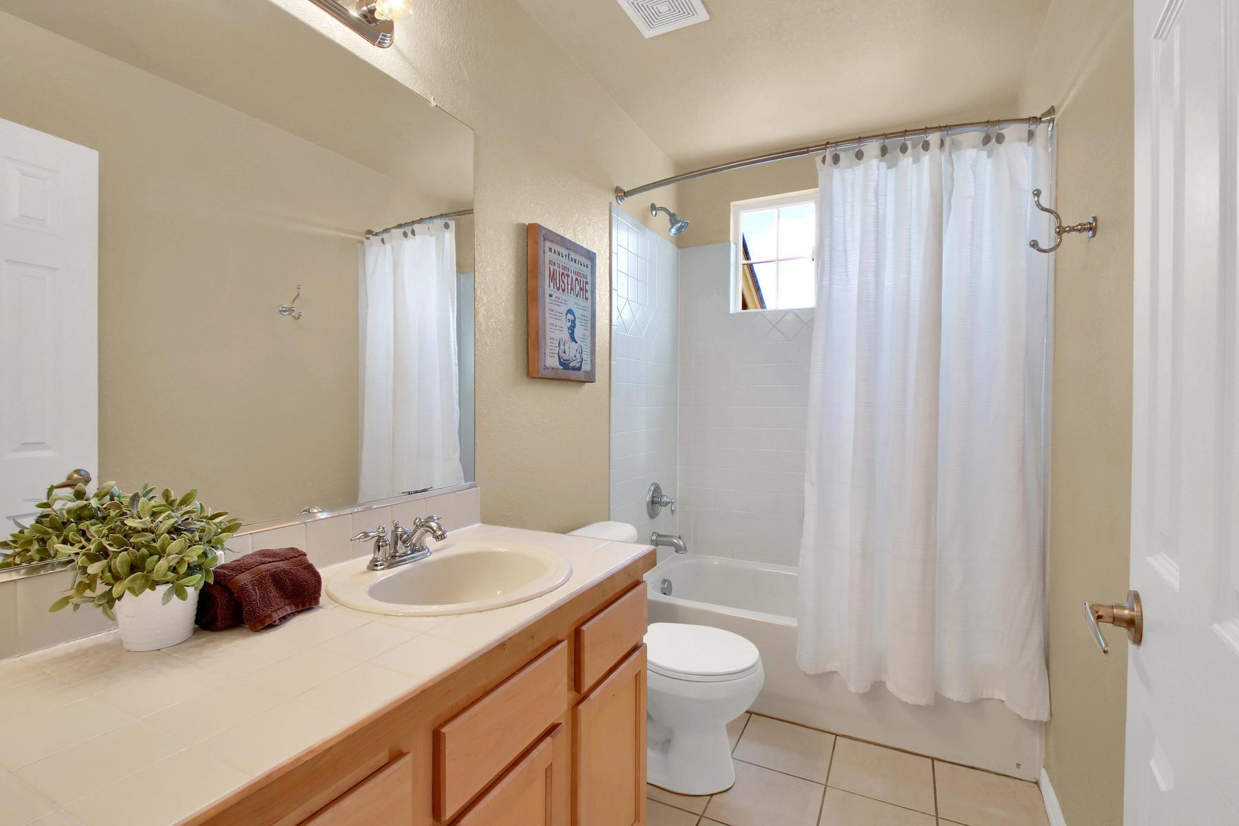 5367 Parfet St Arvada CO 80002-025-20-Bathroom-MLS_Size.jpg