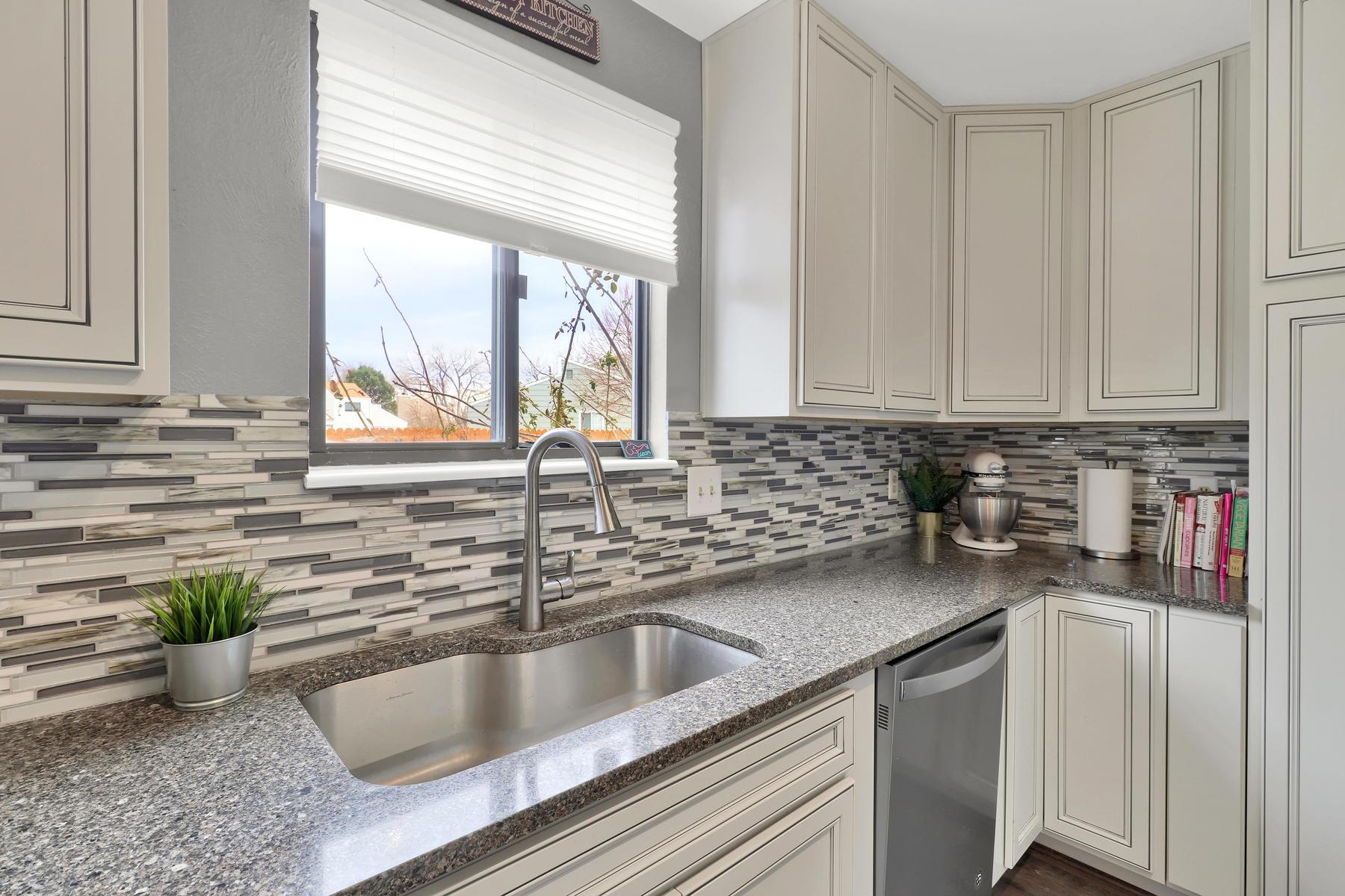 990 W 133rd Cir E Westminster-013-22-Kitchen-MLS_Size.jpg