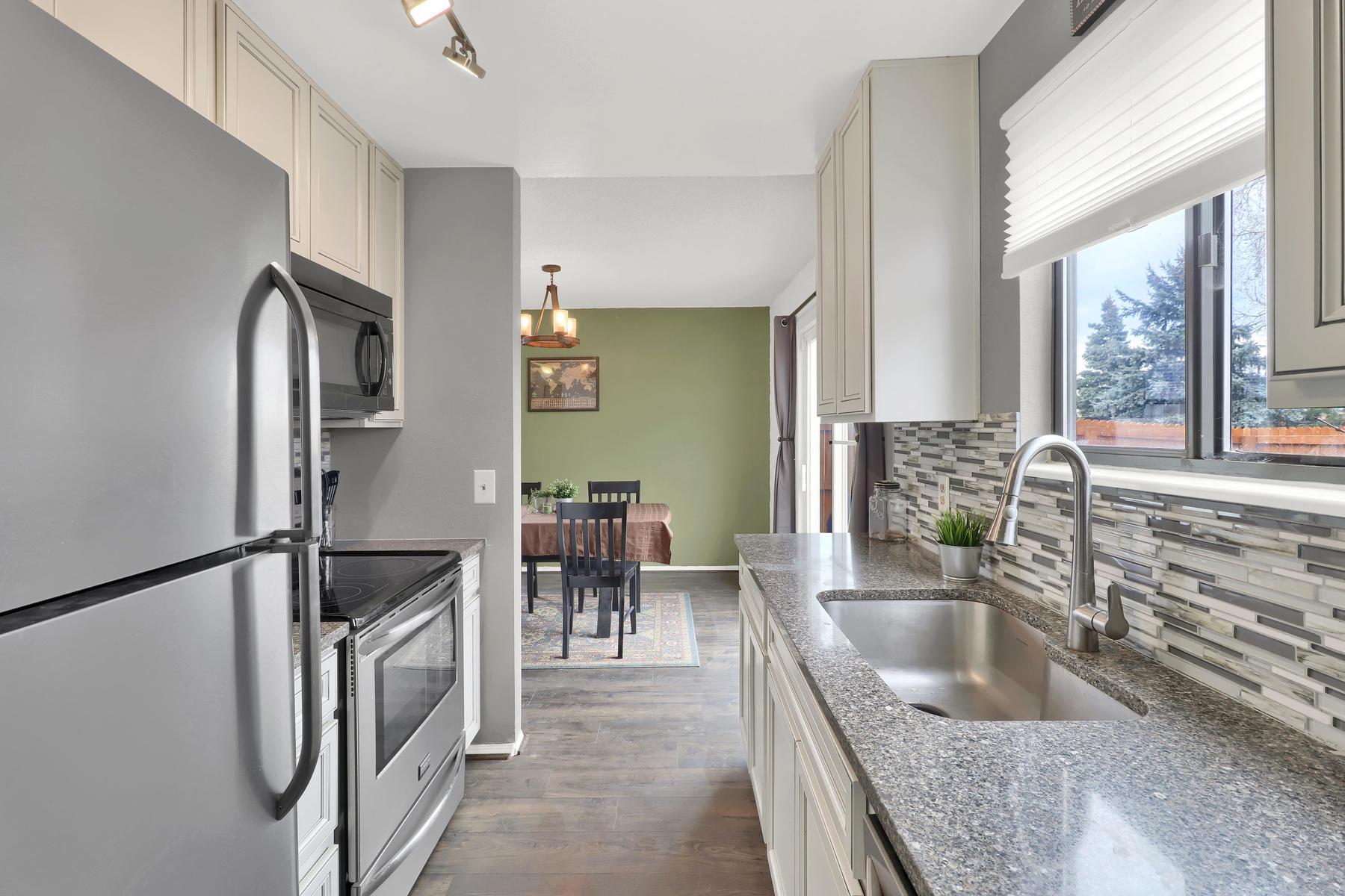 990 W 133rd Cir E Westminster-014-13-Kitchen-MLS_Size.jpg