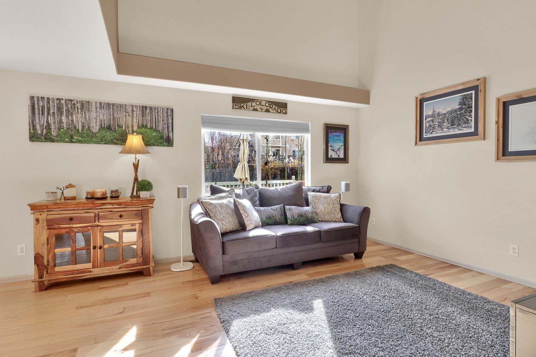 10816 W 55th Ln Arvada CO-large-005-15-Living Room-1500x1000-72dpi.jpg
