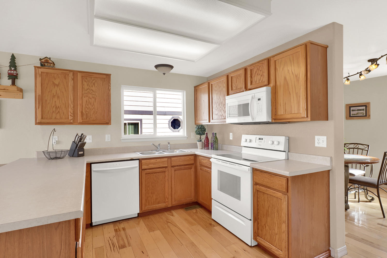 10816 W 55th Ln Arvada CO-large-011-19-Kitchen-1500x1000-72dpi.jpg