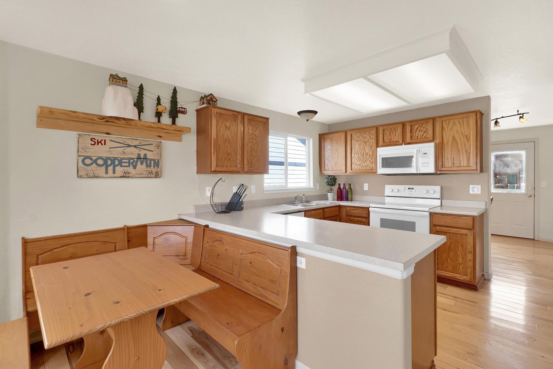 10816 W 55th Ln Arvada CO-large-012-18-Kitchen-1500x1000-72dpi.jpg