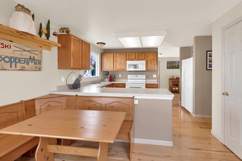 10816 W 55th Ln Arvada CO-large-013-17-Kitchen-1500x1000-72dpi.jpg