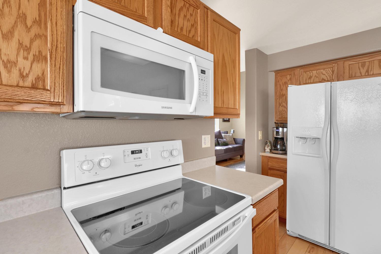 10816 W 55th Ln Arvada CO-large-016-24-Kitchen-1500x1000-72dpi.jpg