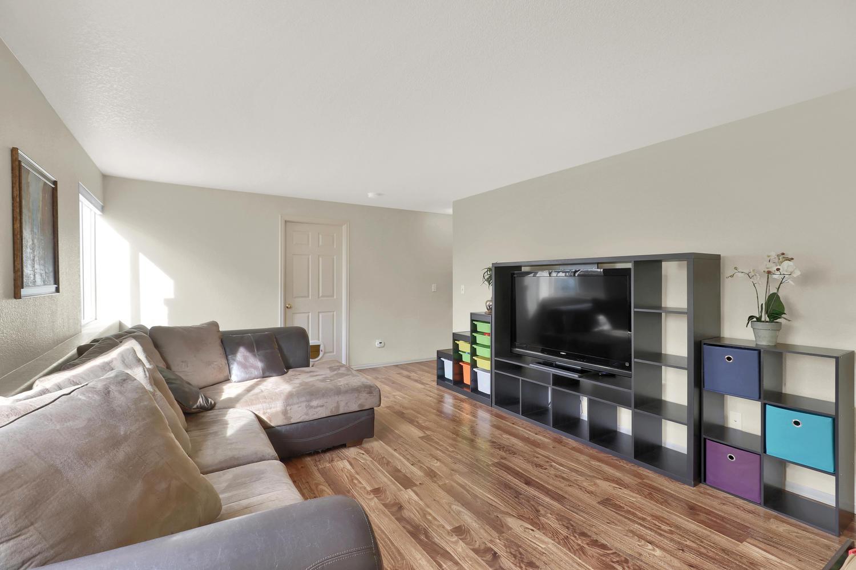 10816 W 55th Ln Arvada CO-large-018-25-Family Room-1500x1000-72dpi.jpg