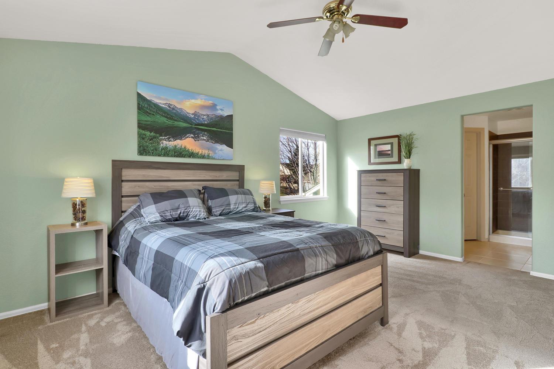 10816 W 55th Ln Arvada CO-large-020-27-Bedroom-1500x1000-72dpi.jpg