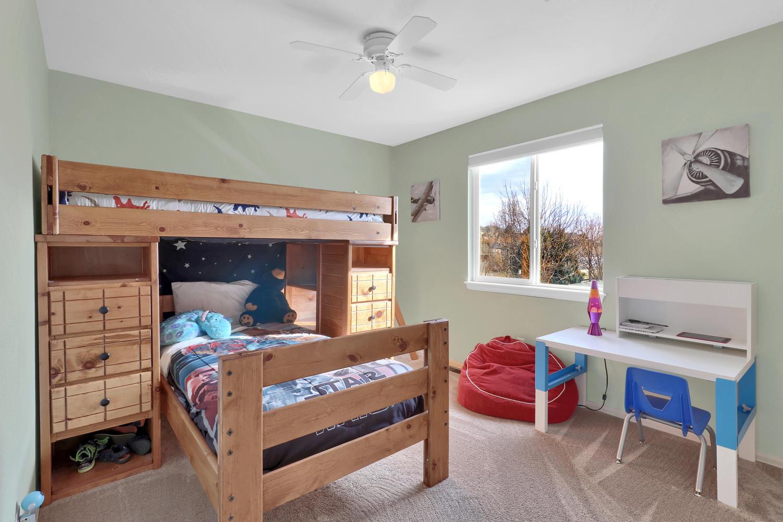 10816 W 55th Ln Arvada CO-large-029-31-Bedroom-1500x1000-72dpi.jpg
