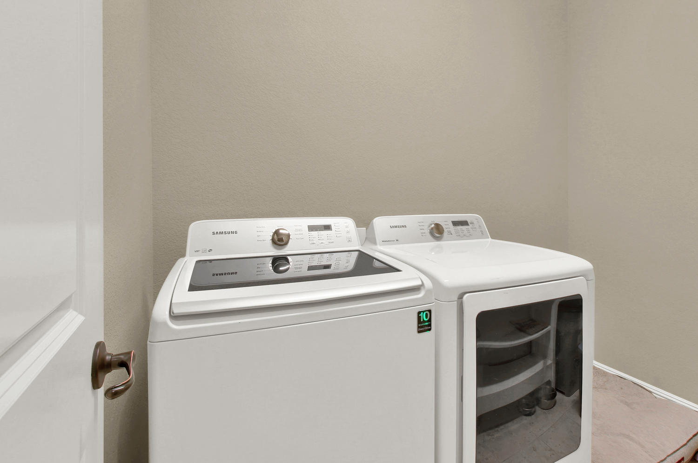 8283 Moss Cir Arvada CO 80007-large-033-18-Laundry-1500x994-72dpi.jpg