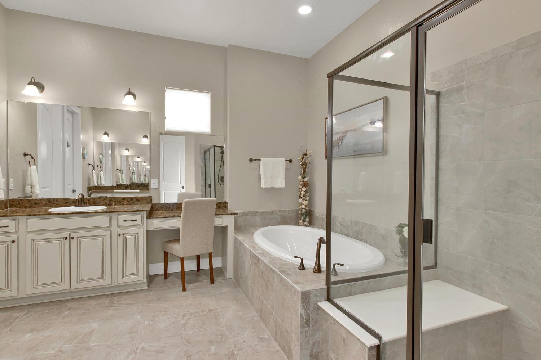 8283 Moss Cir Arvada CO 80007-large-035-36-Bathroom-1500x1000-72dpi.jpg