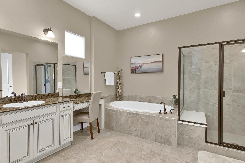 8283 Moss Cir Arvada CO 80007-large-037-35-Bathroom-1500x1000-72dpi.jpg
