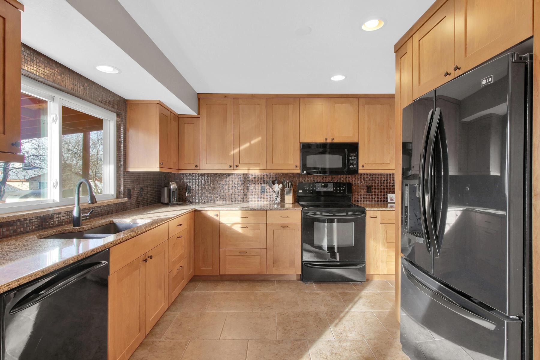 9375 Osceola St Westminster CO-006-5-Kitchen-MLS_Size.jpg