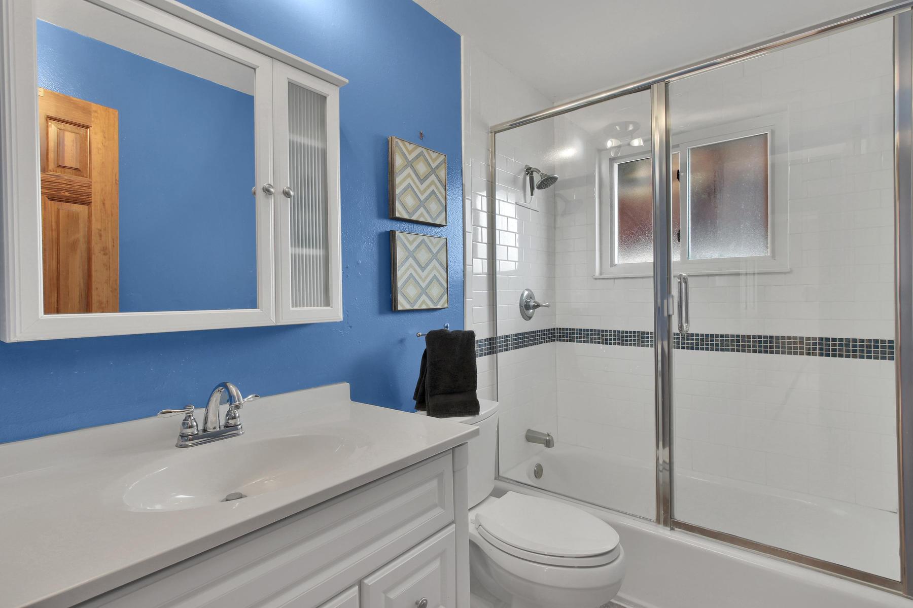 9375 Osceola St Westminster CO-014-21-Bathroom-MLS_Size.jpg