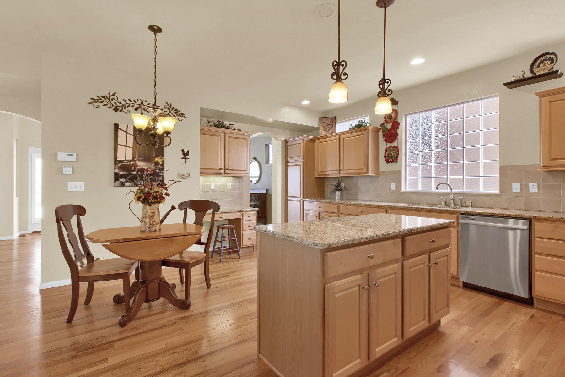 8322 Coors Ct Arvada CO 80005-011-7-Kitchen-MLS_Size.jpg