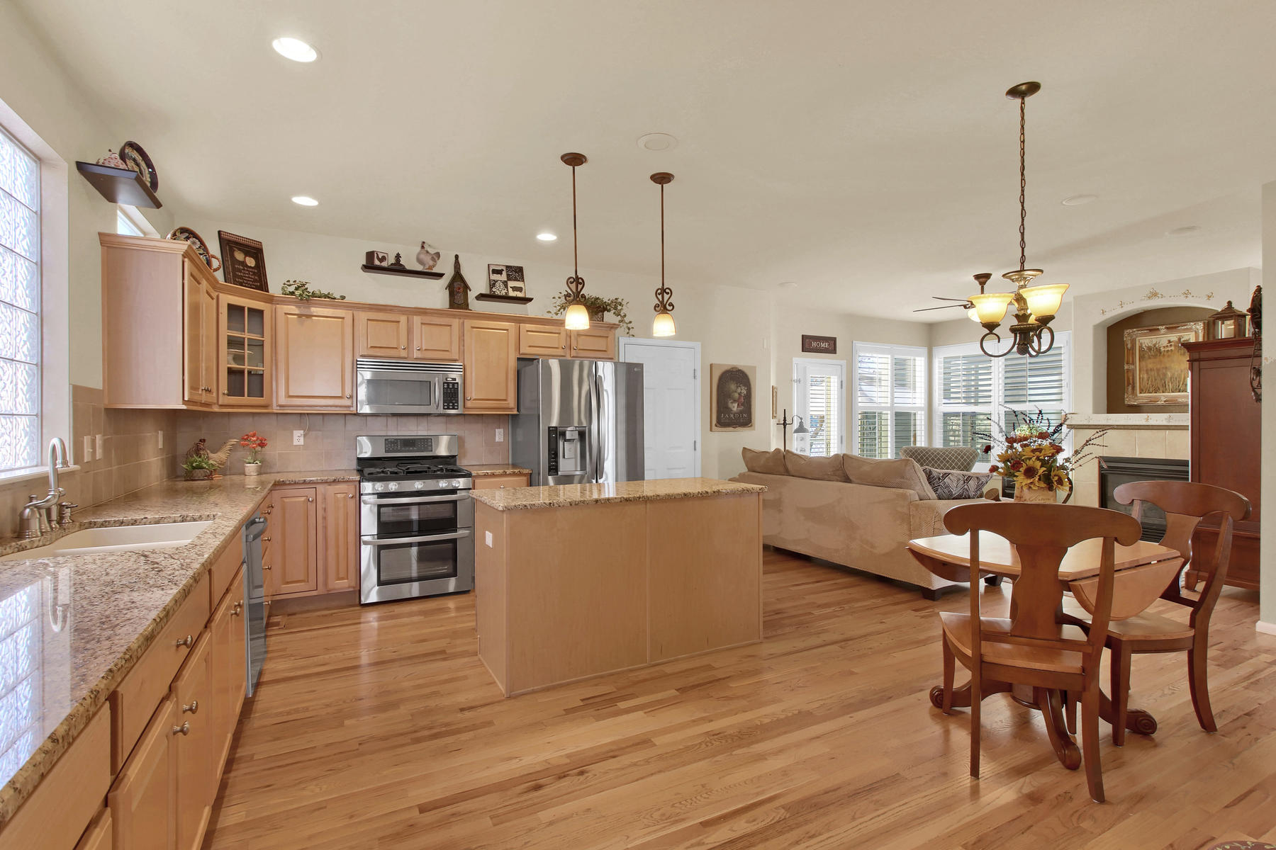 8322 Coors Ct Arvada CO 80005-014-15-Kitchen-MLS_Size.jpg