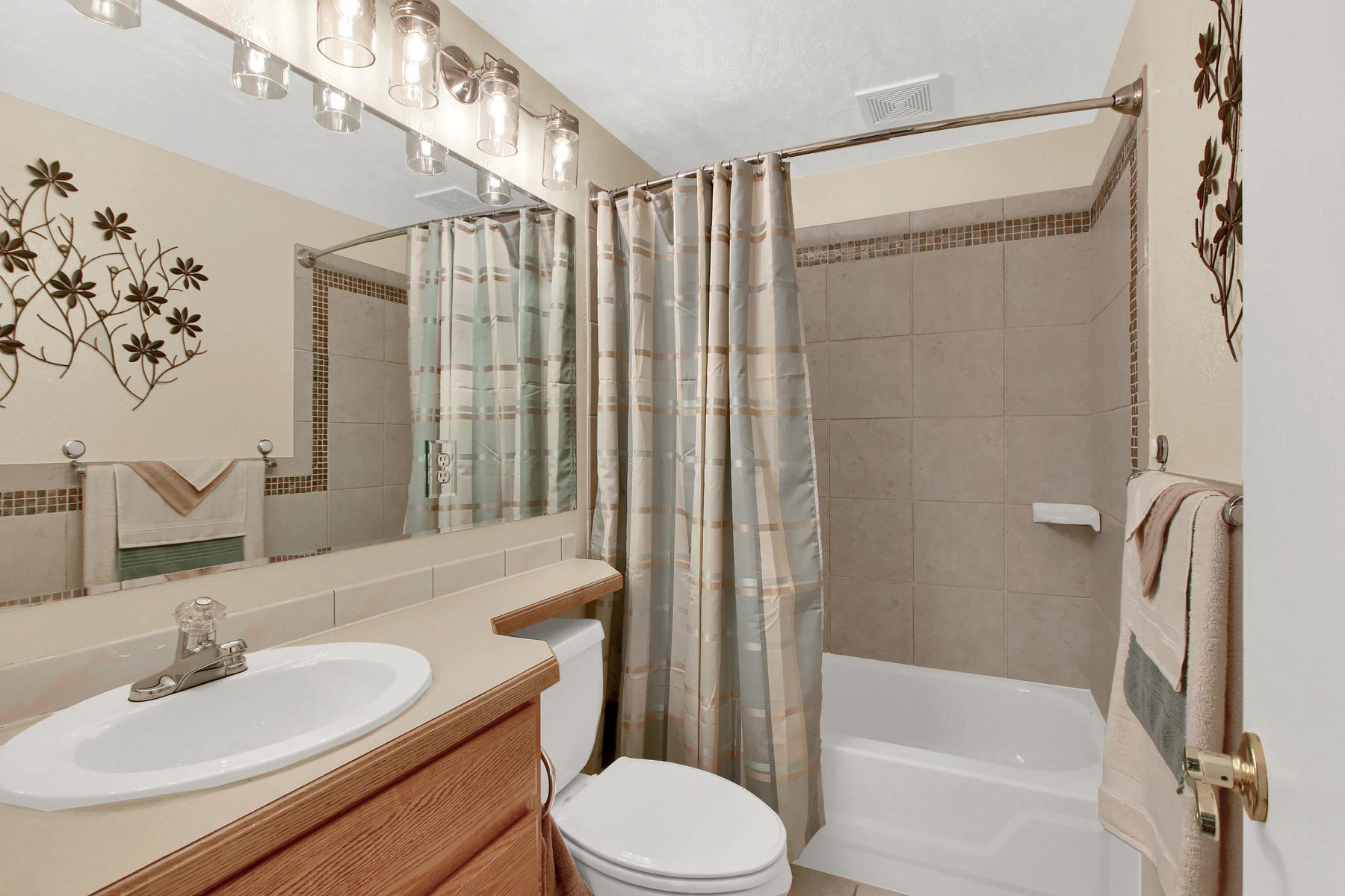 11415 W 76th Way Arvada CO-038-29-Bathroom-MLS_Size.jpg